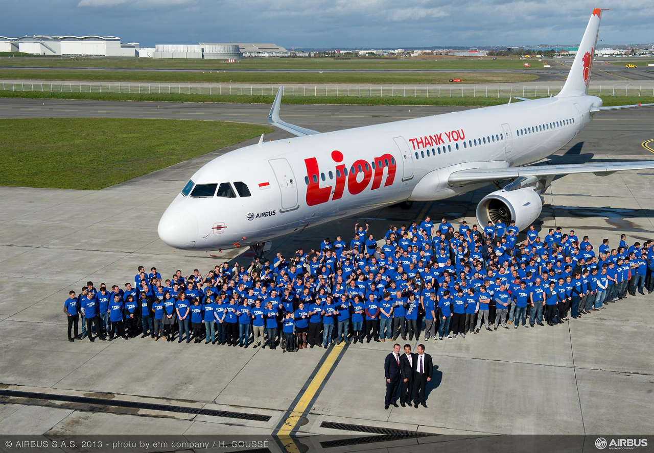 Indonesia's Lion Air became a new Airbus customer with its firm order for 234 A320 Family aircraft, which comprises 109 A320neo, 65 A321neo and 60 A320ceo jetliners and was finalised 18 March 2013 during a ceremony in Paris
