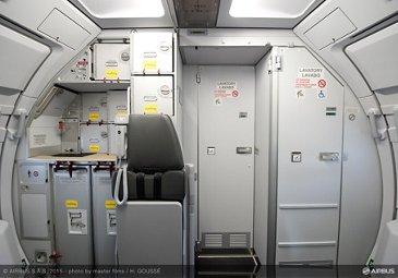 Vueling A320_cabin interior 1