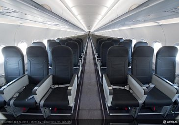 Vueling A320_cabin interior 2