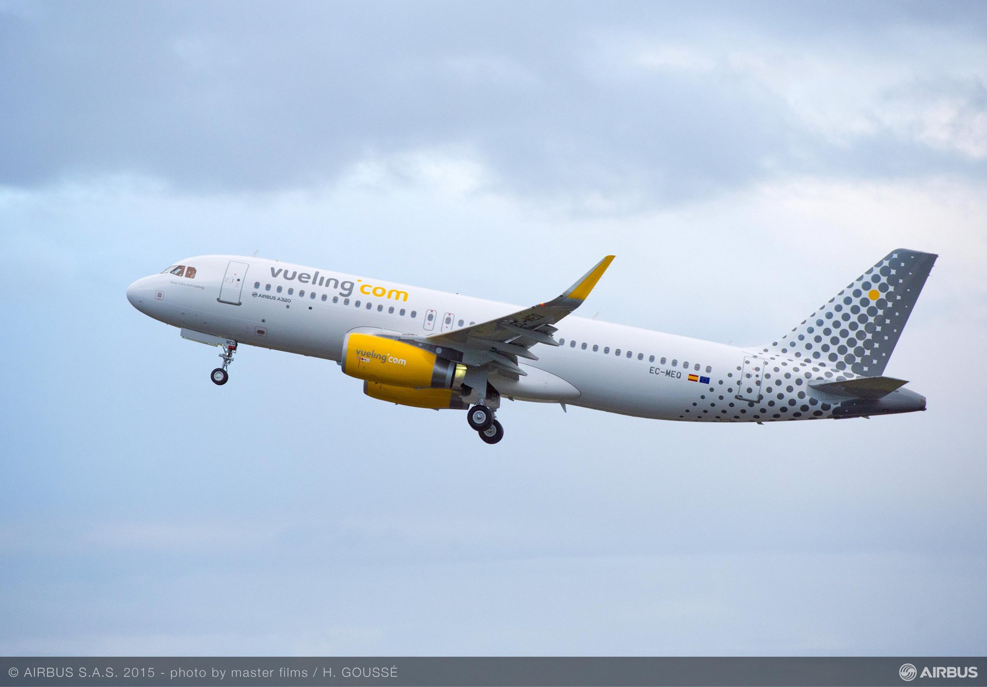 Vueling A320_takeoff