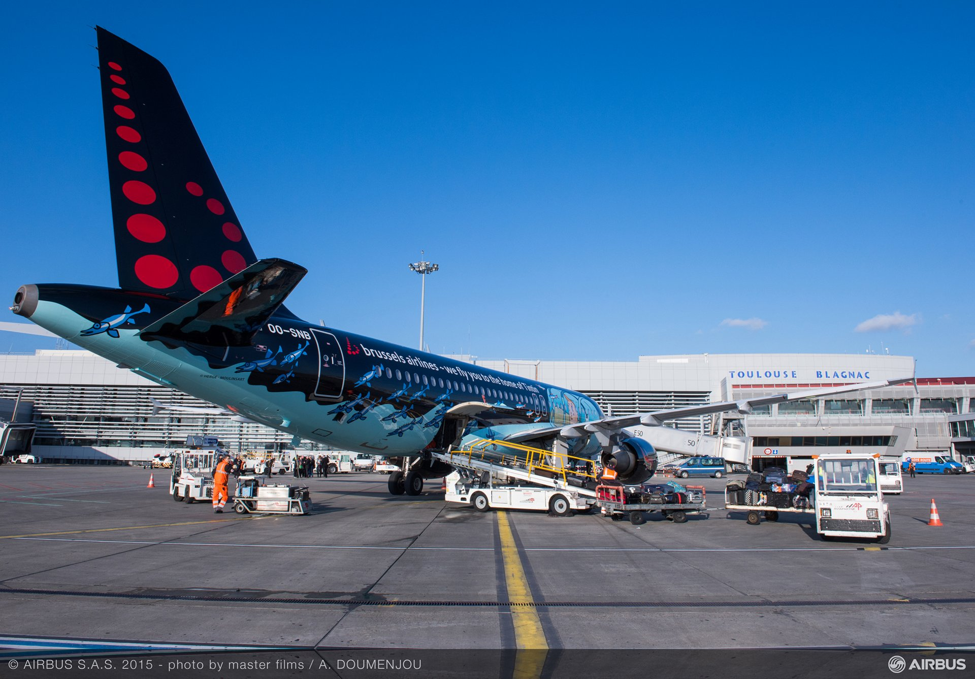 Brussels Airlines A320 Tintin livery 3