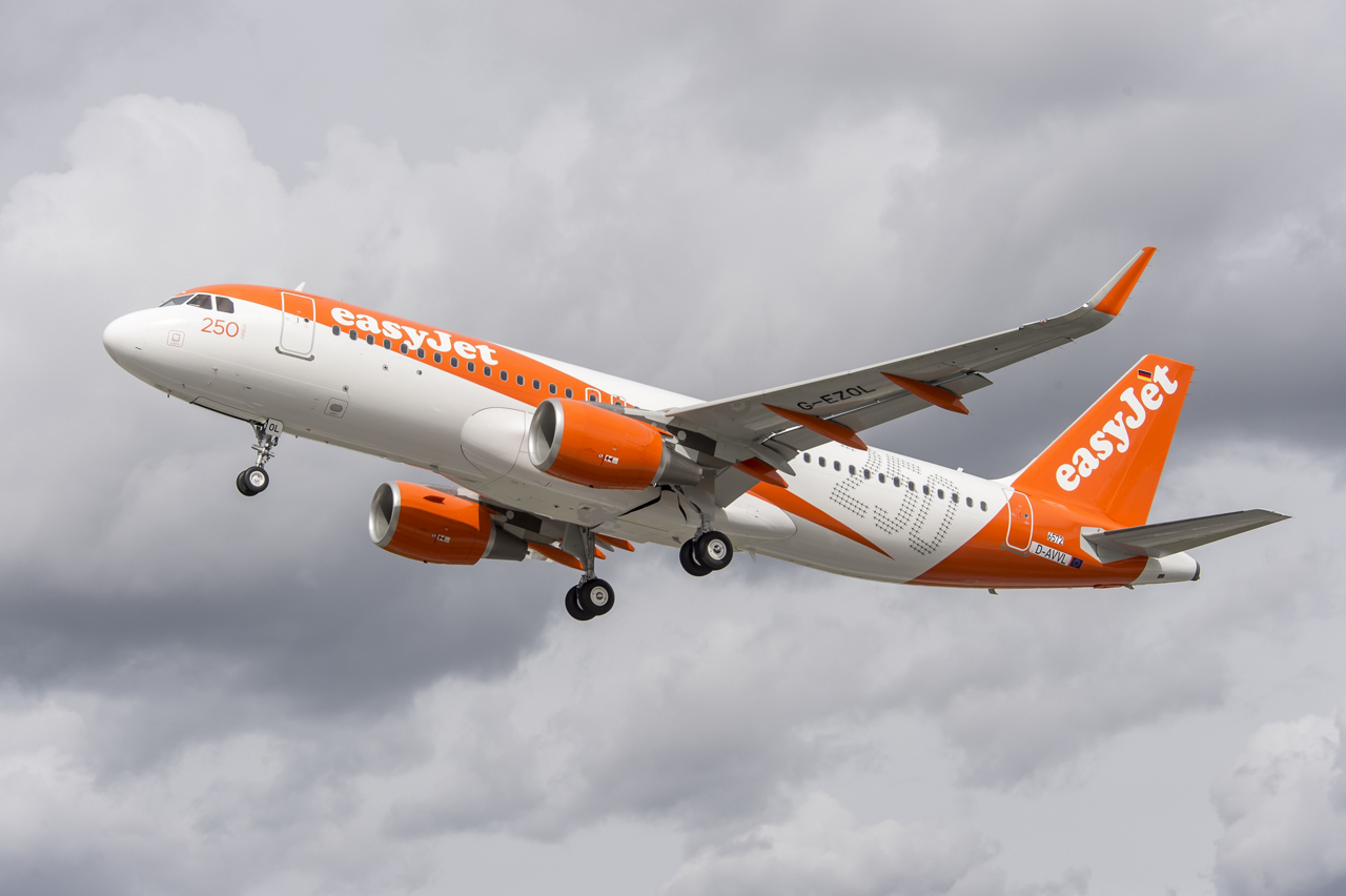 During a ceremony in Hamburg, Germany, easyJet and Airbus celebrated delivery of the airline's 250th A320 Family aircraft – which is equipped with the latest technology and fuel-saving Sharklets