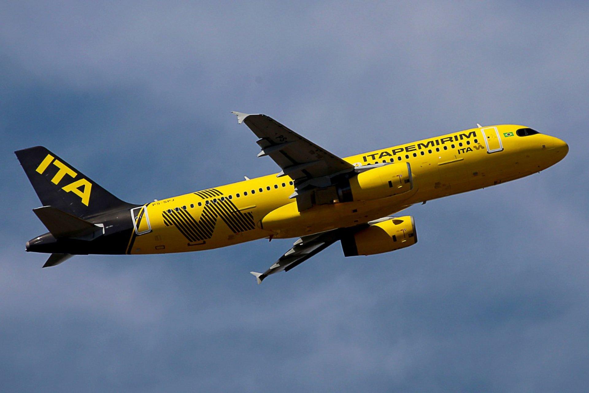 Itapemirim A320 in flight