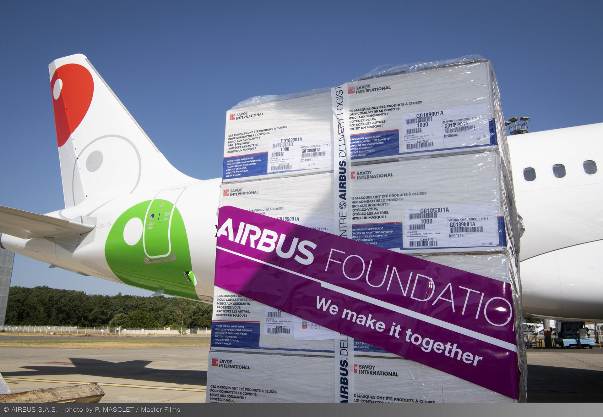 The Airbus Foundation, Viva Aerobus and Aviation Sans Frontières, will transport surgical masks to be donated to the Red Cross in the Mexican state of Nuevo León. Volaris, the Airbus Foundation and Aviation Sans Frontières will transport surgical masks and face shields to be donated to the Mexican Red Cross in Mexico City. Both airlines will leverage their latest A320neo deliveries originating from Airbus global headquarters in Toulouse.