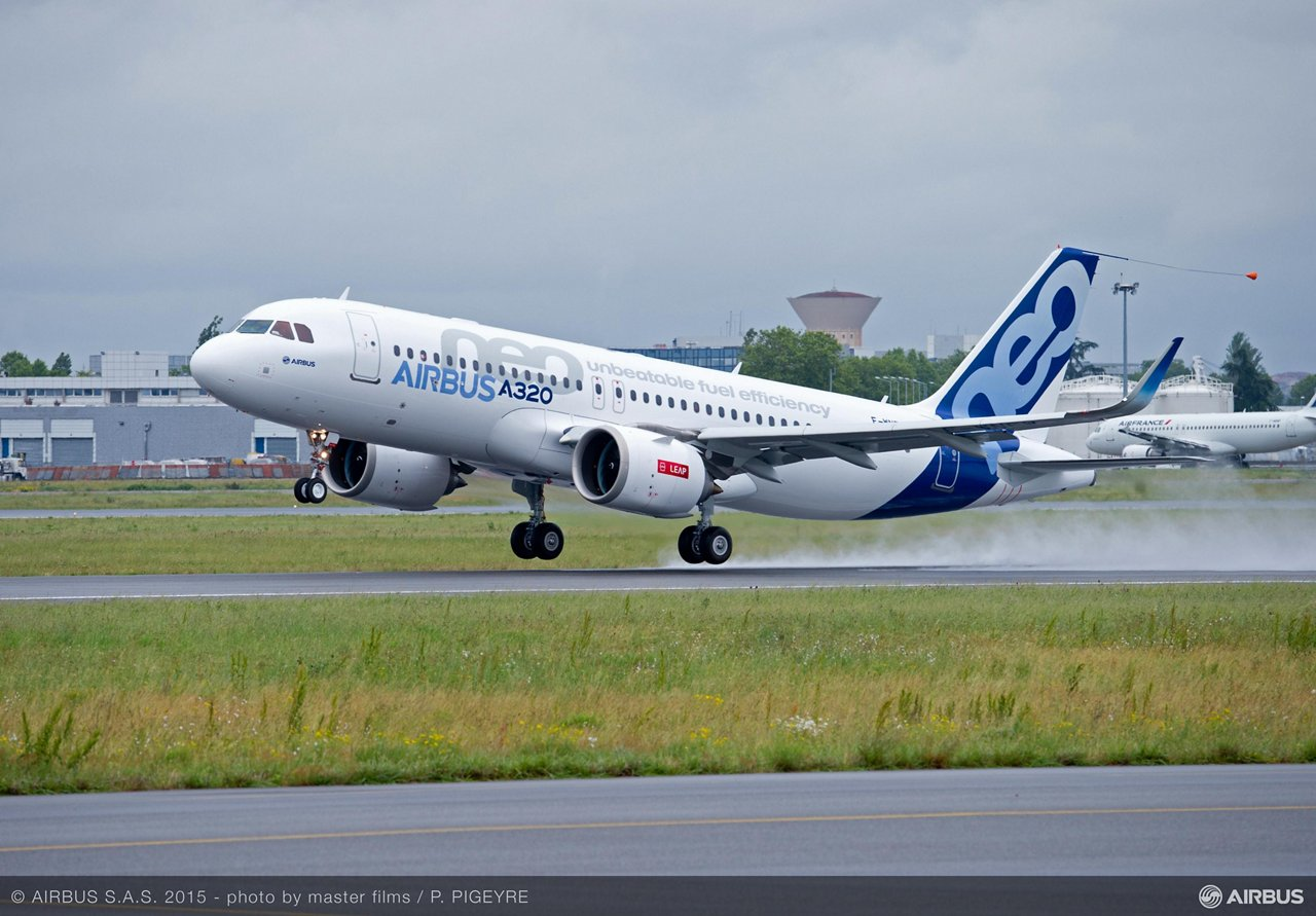 A320neo first flight with LEAP-1A_Take-off