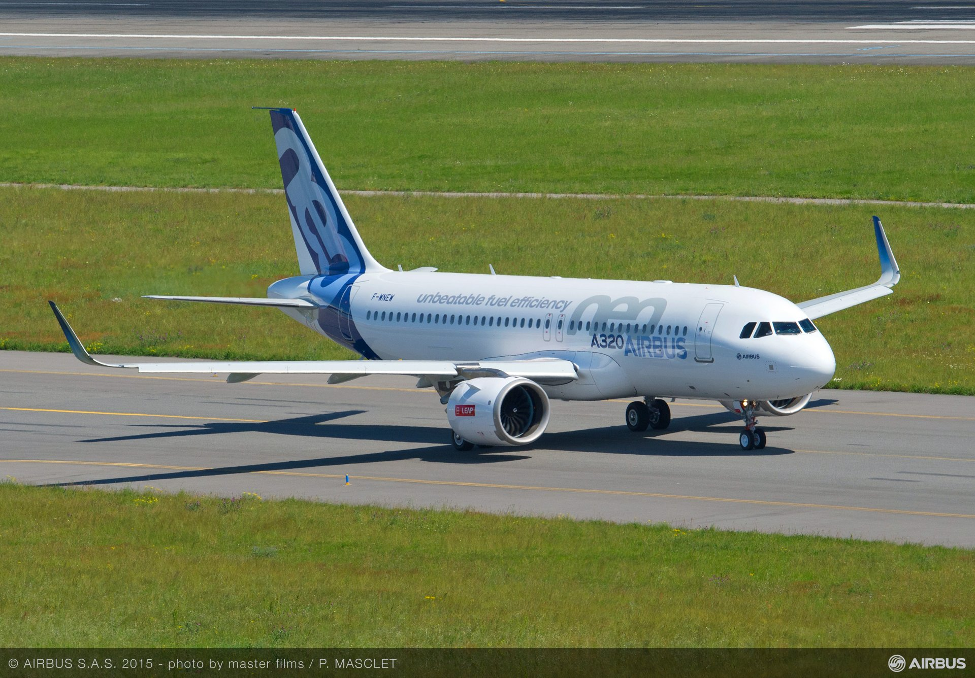 A320neo first flight with LEAP-1A_Taxiing 2