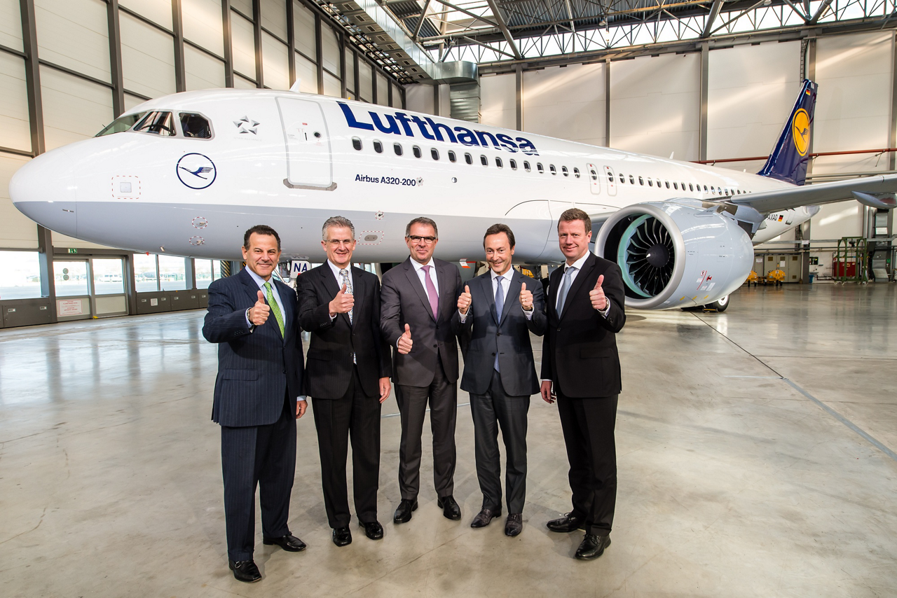 The first A320neo delivery – which occurred 20 January 2016 – opened new era in commercial aviation. From left to right: David Hess, Executive Vice President and Chief Customer Officer, Aerospace, for United Technologies– Robert Leduc, Pratt & Whitney President– Carsten Spohr, Chairman of the Executive Board and CEO of Deutsche Lufthansa AG.– Fabrice Brégier, Airbus President and CEO– and Klaus Roewe, Airbus Senior Vice President, Head of A320 Family Programme