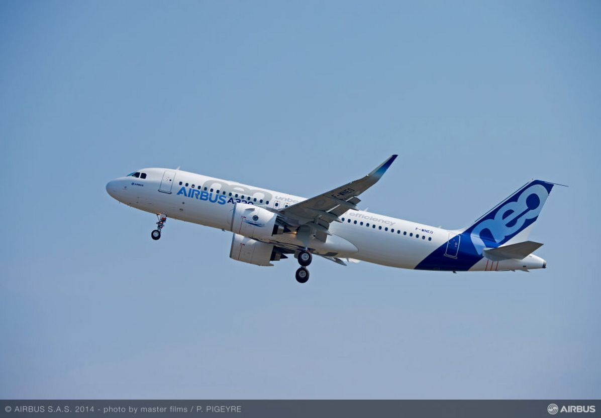 A320neo TAKE OFF - FIRST FLIGHT, A320neo with Pratt & Whitney engines is certified_4