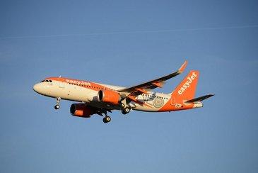 EasyJet A320neo in flight