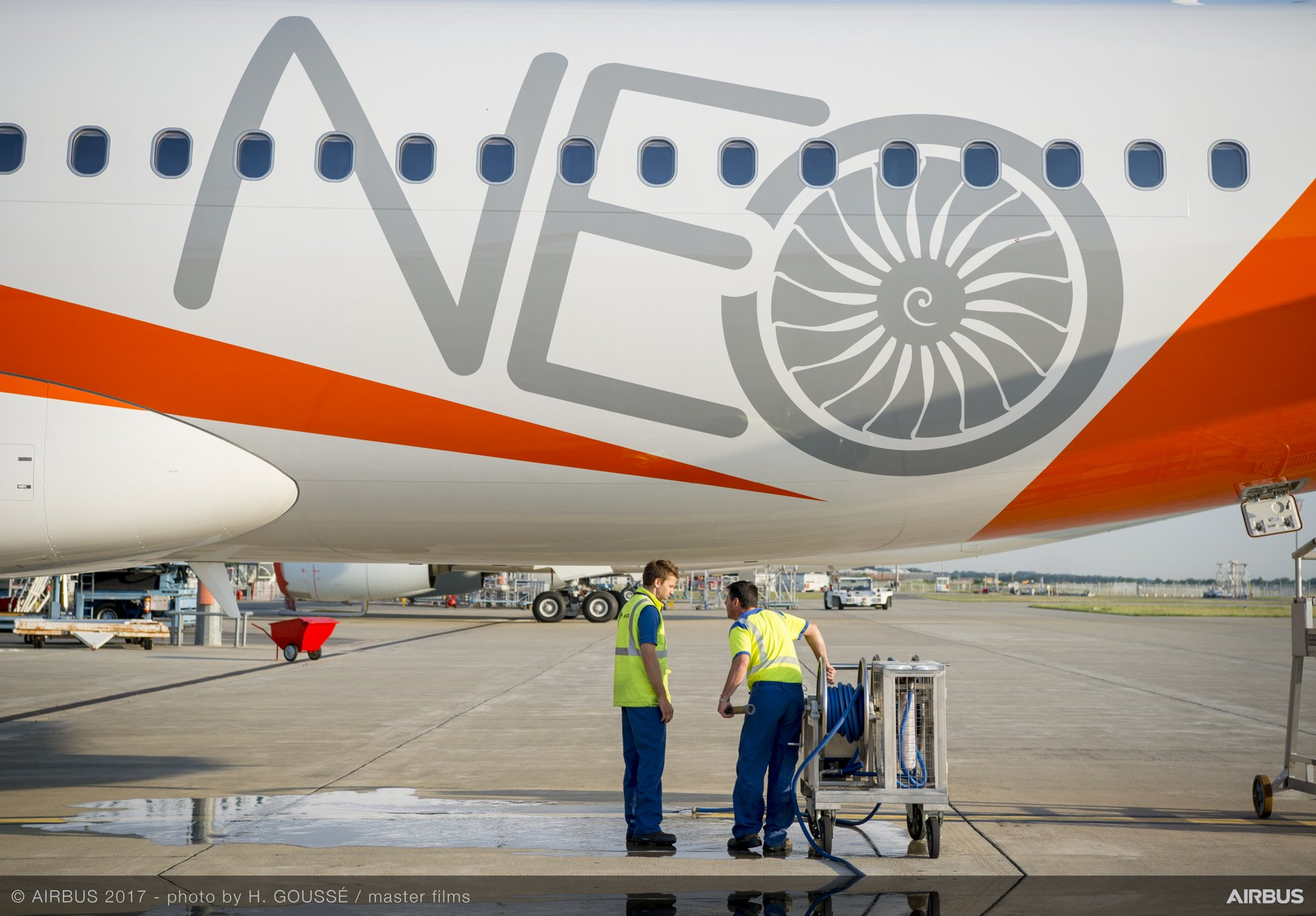 easyJet_First A320neo delivery 3
