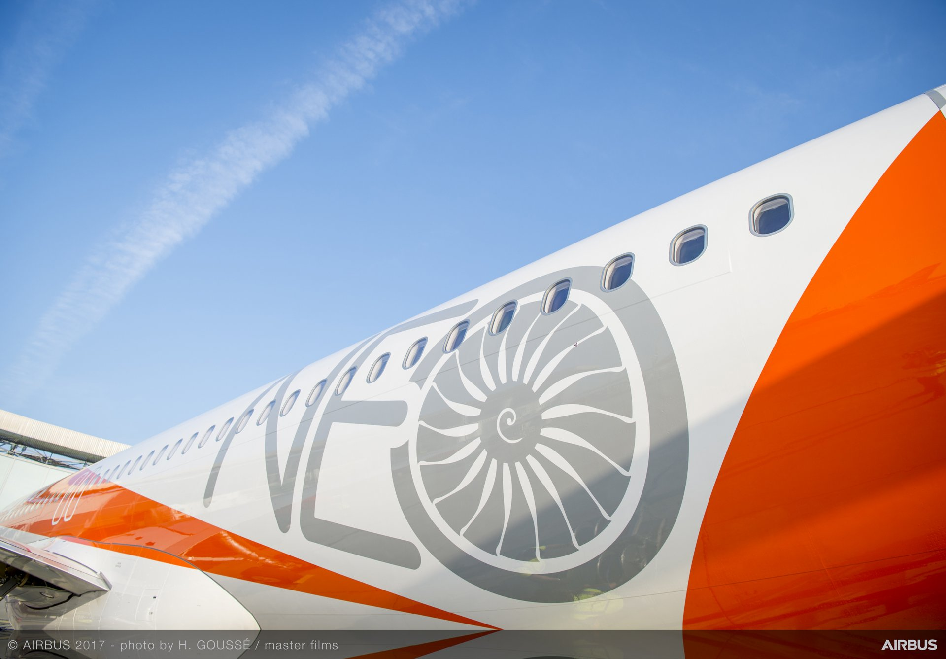 easyJet_First A320neo delivery 4