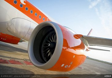 easyJet_First A320neo delivery 5
