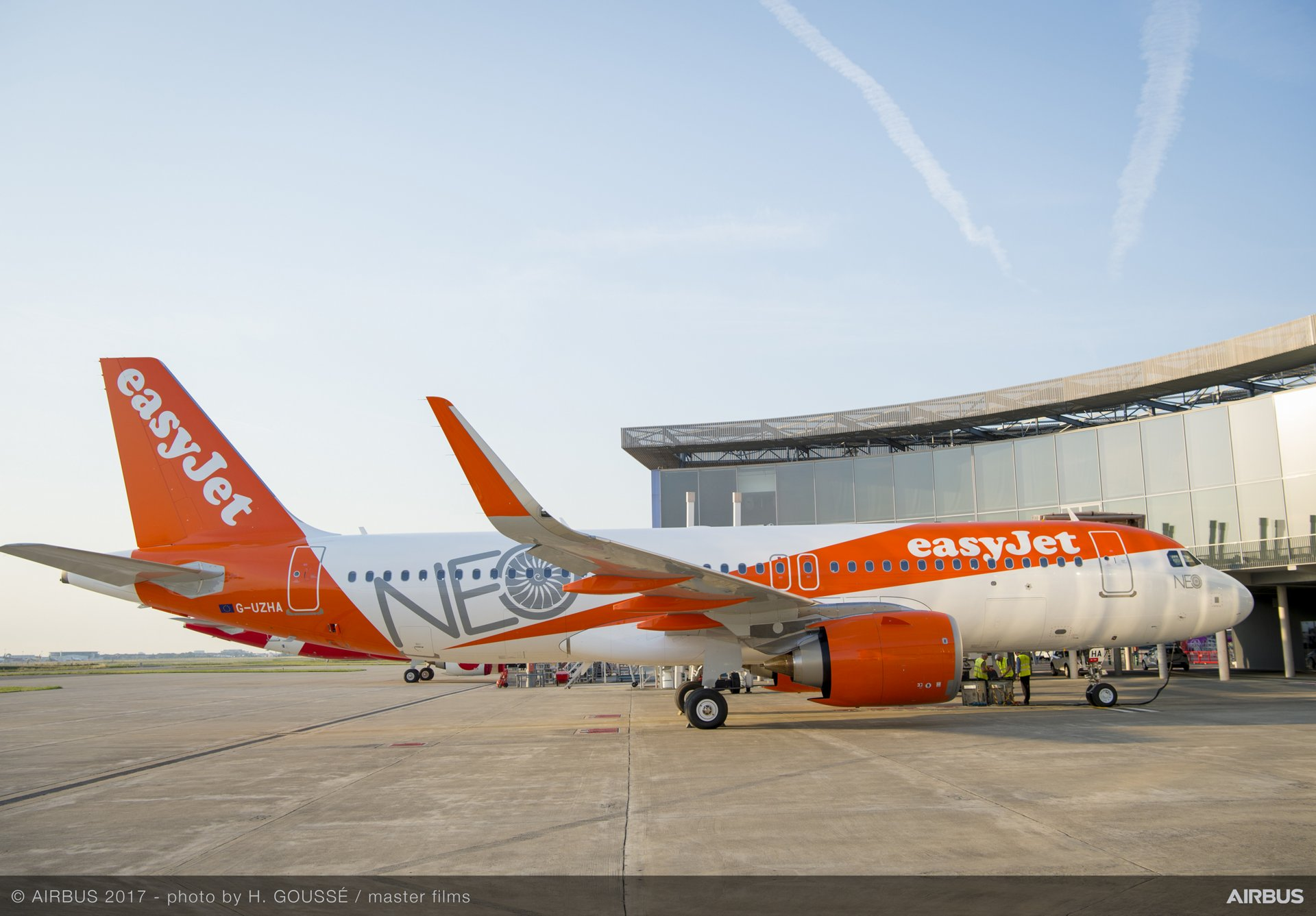 easyJet_First A320neo delivery 6
