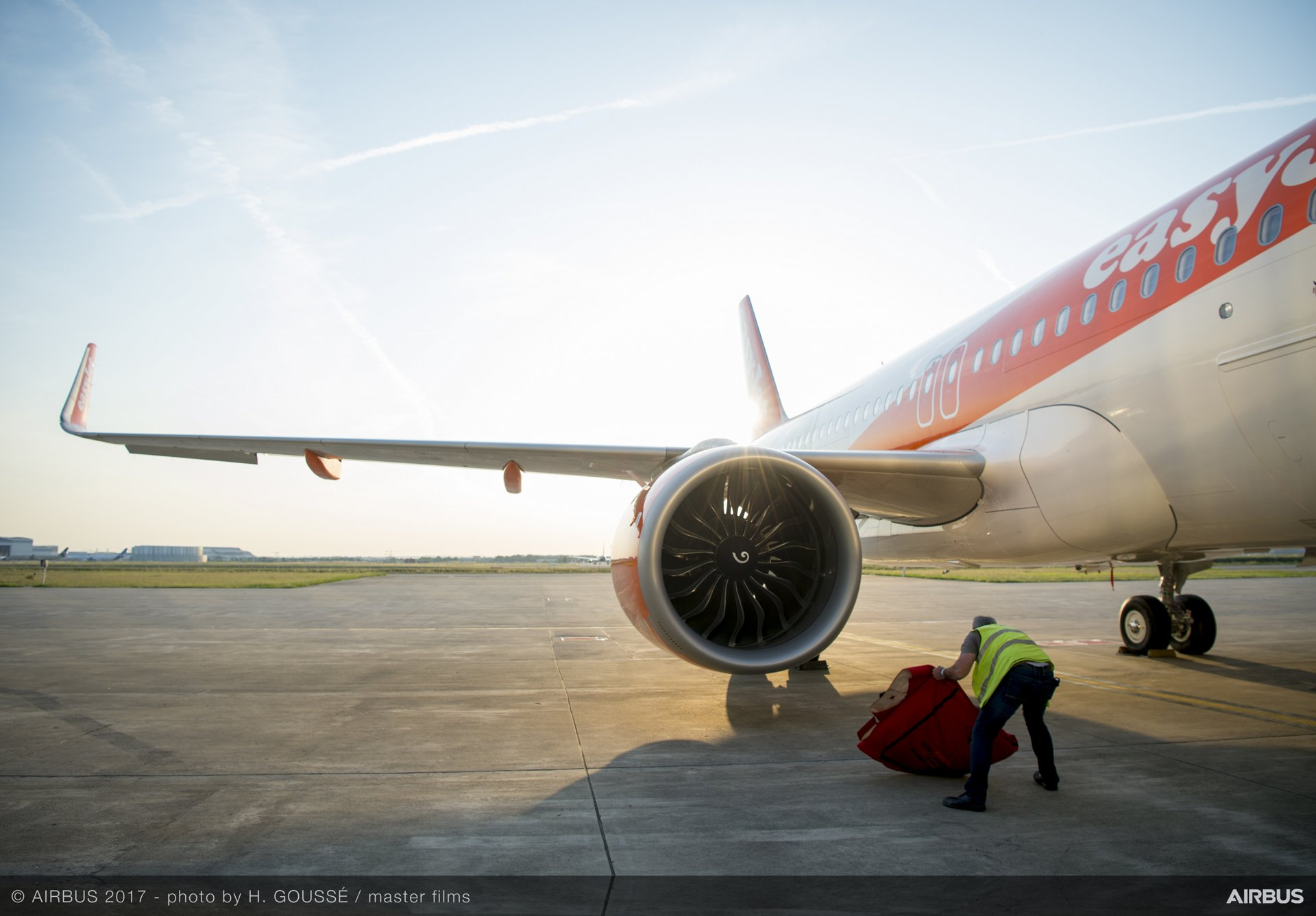 easyJet_First A320neo delivery 8