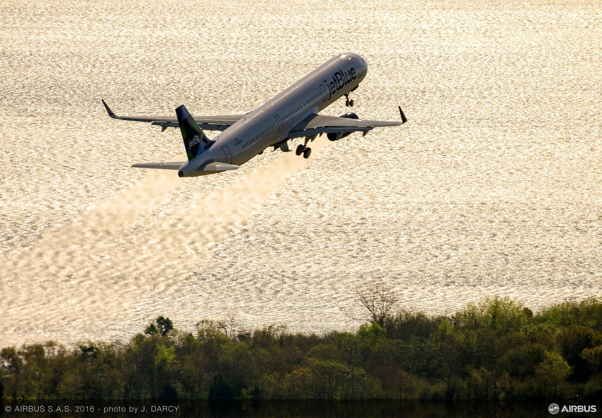 First U.S.-produced A320 Family aircraft takes flight_2