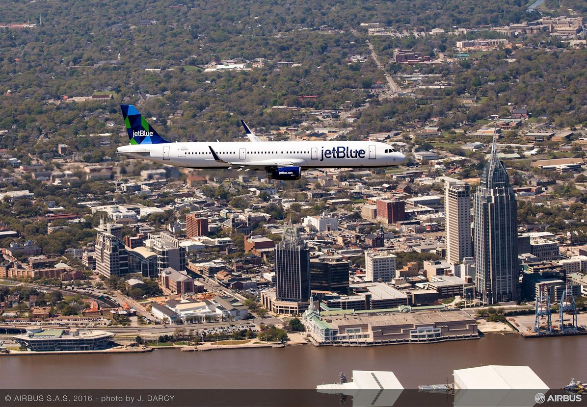 First U.S.-produced A320 Family aircraft_Maiden flight 1