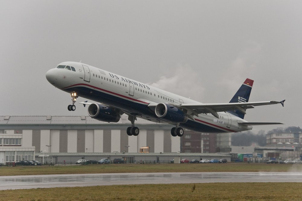 A321 US Airways 7000th delivery take off