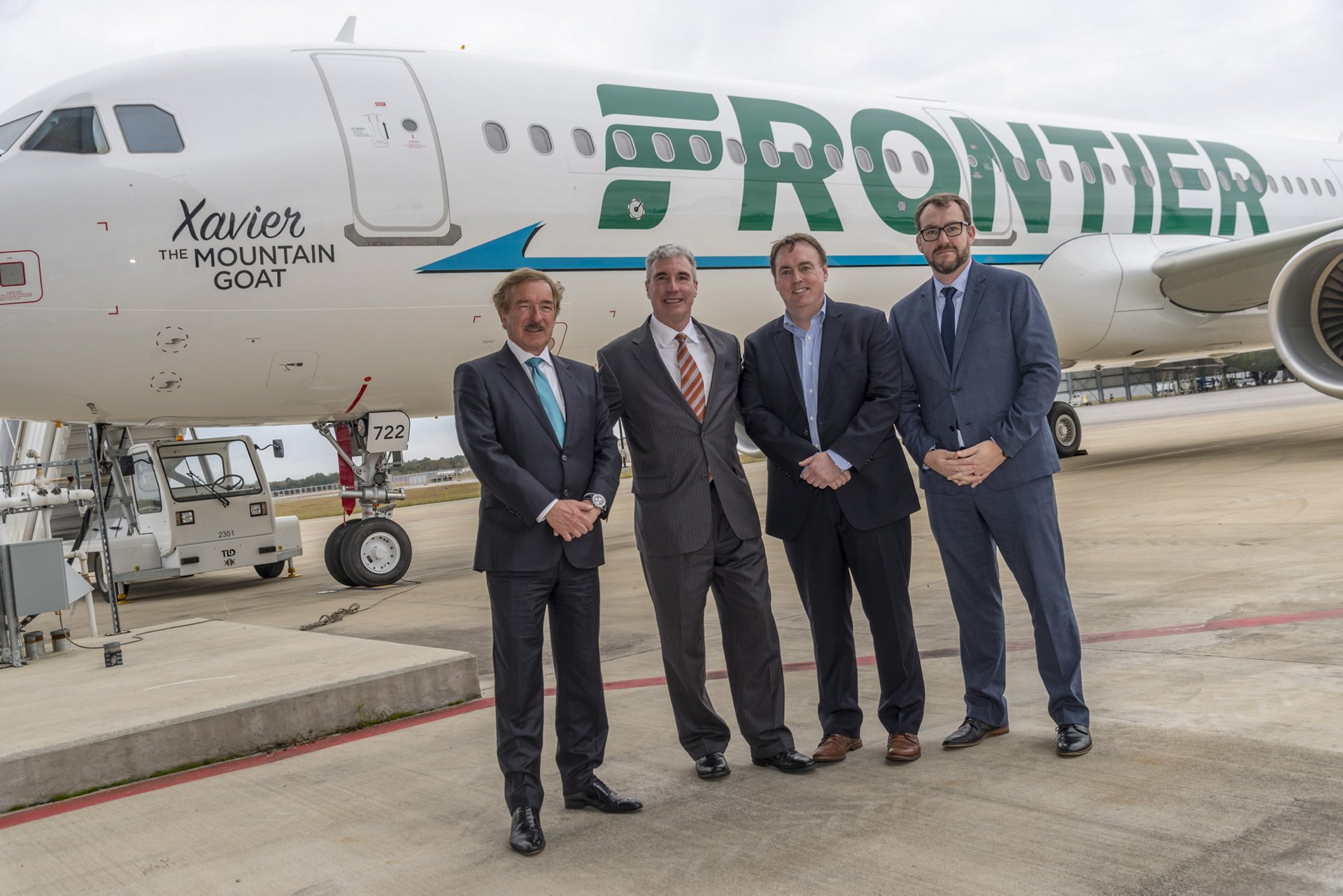 The milestone delivery of the first U.S.-produced A321 to Air Lease Corporation (ALC) was celebrated by (left to right): Steven F. Udvar-Házy, Executive Chairman of ALC; Jeff Knittel, Airbus Americas Chairman & CEO; Jimmy Dempsey, Frontier Airlines CFO; and Daryl Taylor, Vice President & General Manager of the Airbus U.S. Manufacturing Facility