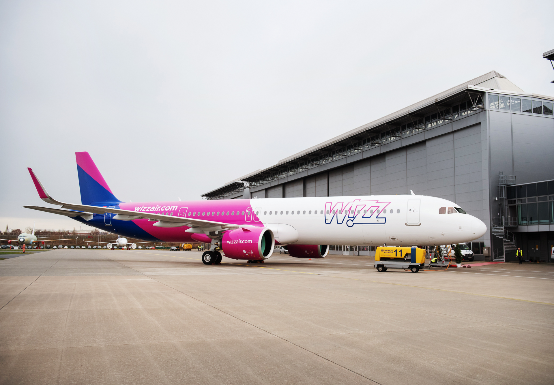 An all-Airbus carrier with more than 100 A320 Family jetliners in operation, Wizz Air has begun taking deliveries of 184 A321neo aircraft it has on order