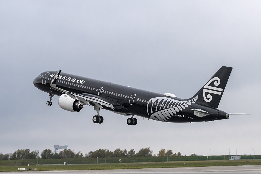 Takeoff of an Airbus A320neo in the colours of Air New Zealand.