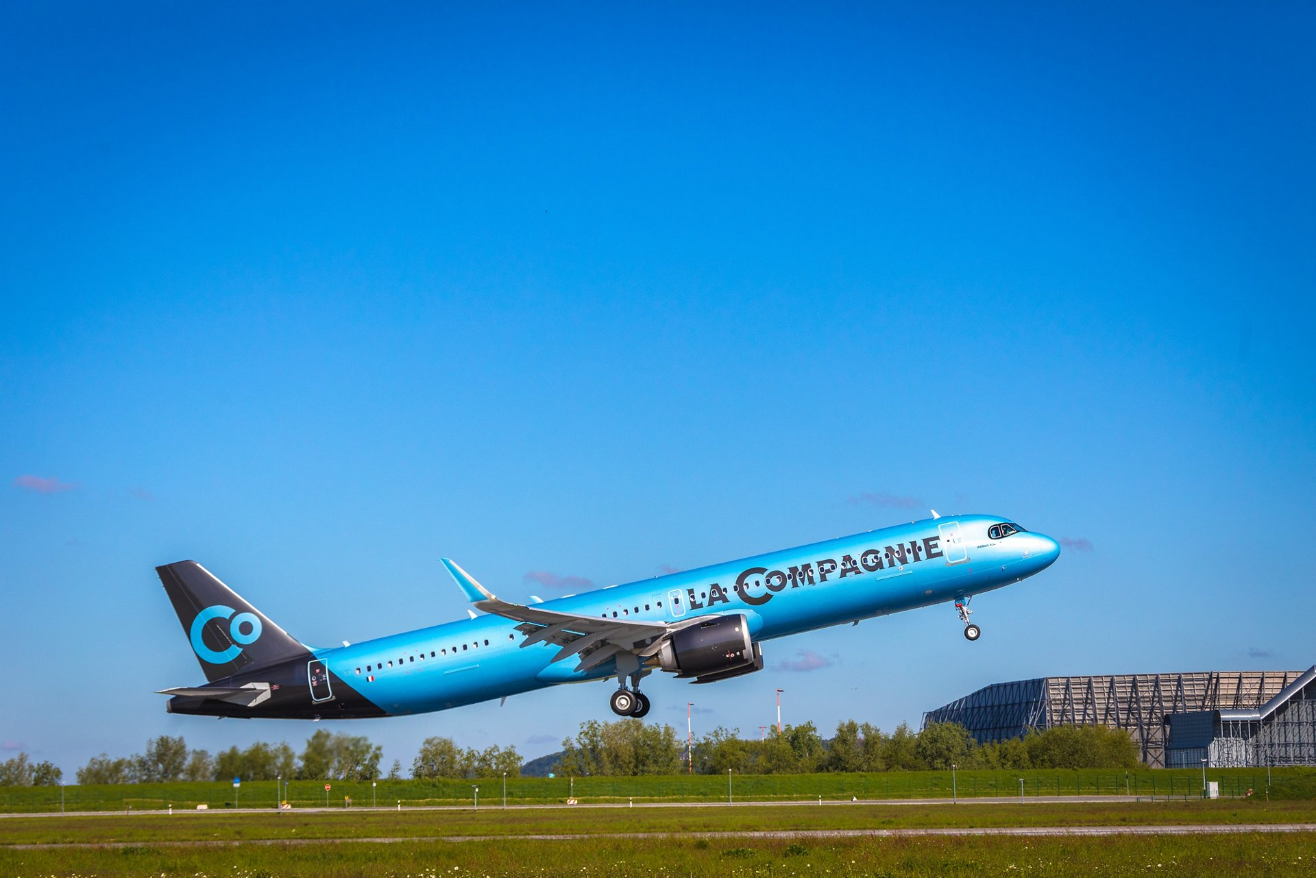 La Compagnie's first A321neo makes inaugural transatlantic flight