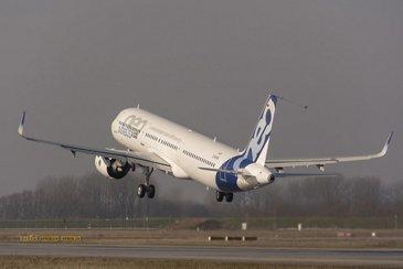 A321neo with Pratt & Whitney engines first flight_1