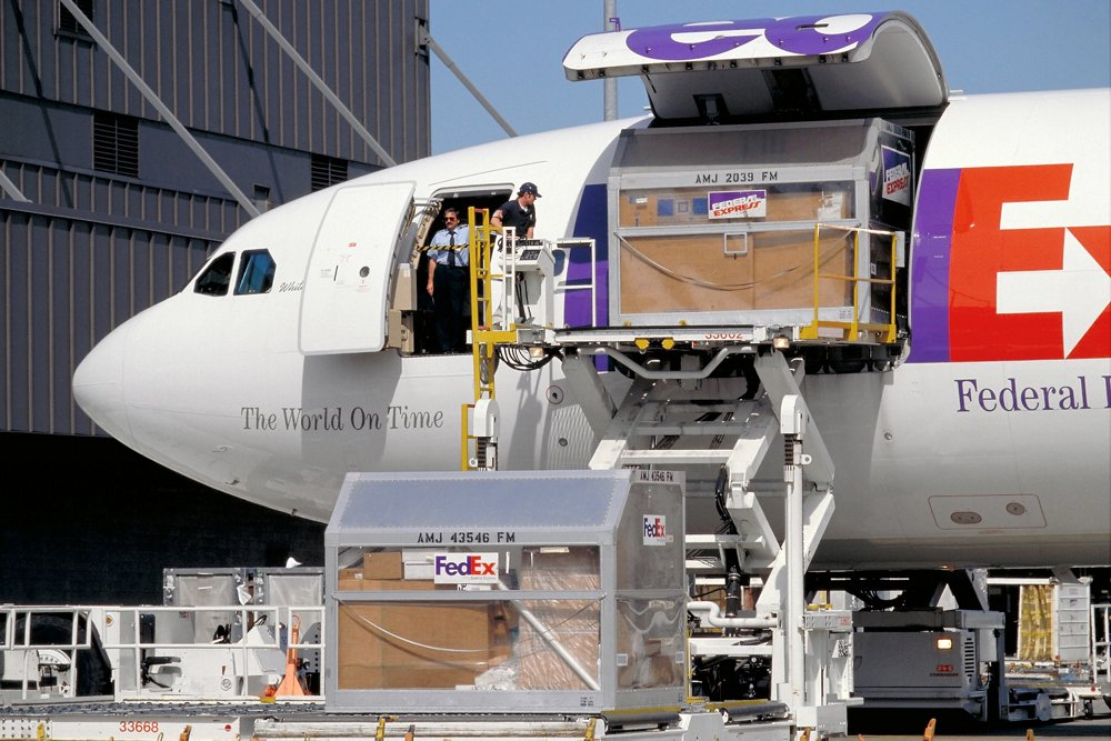 The A300-600F freighter version of Airbus' cornerstone A300-600 is loaded with cargo in service with FedEx