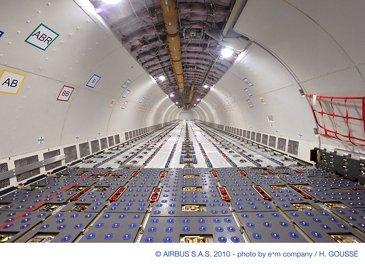A330-200F cargo deck 1