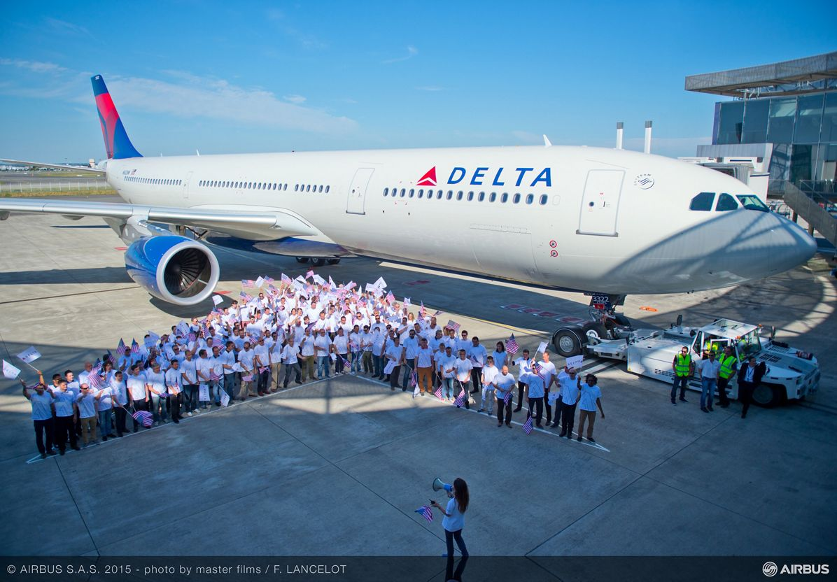 A330-300 242T delivery to Delta Air Lines_ Employees 2