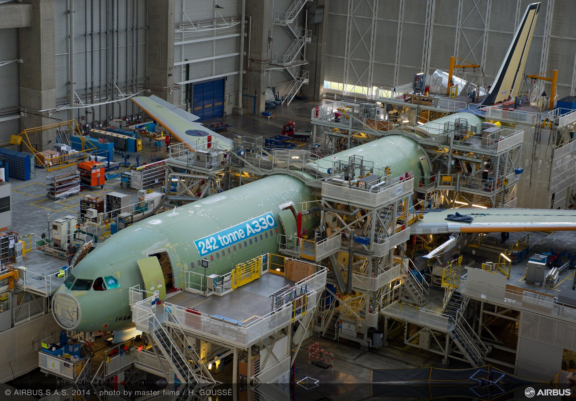 242 tonne A330-300 enters final assembly_1