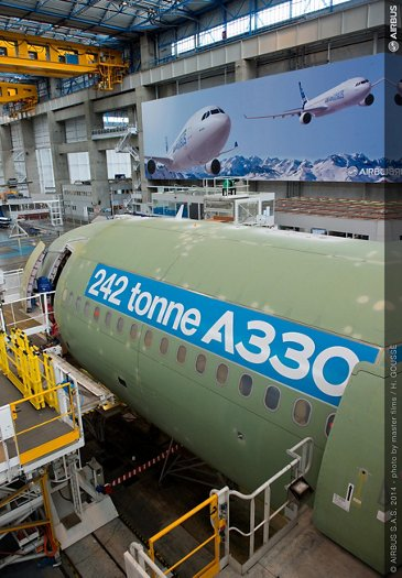 242 tonne A330-300 enters final assembly_2