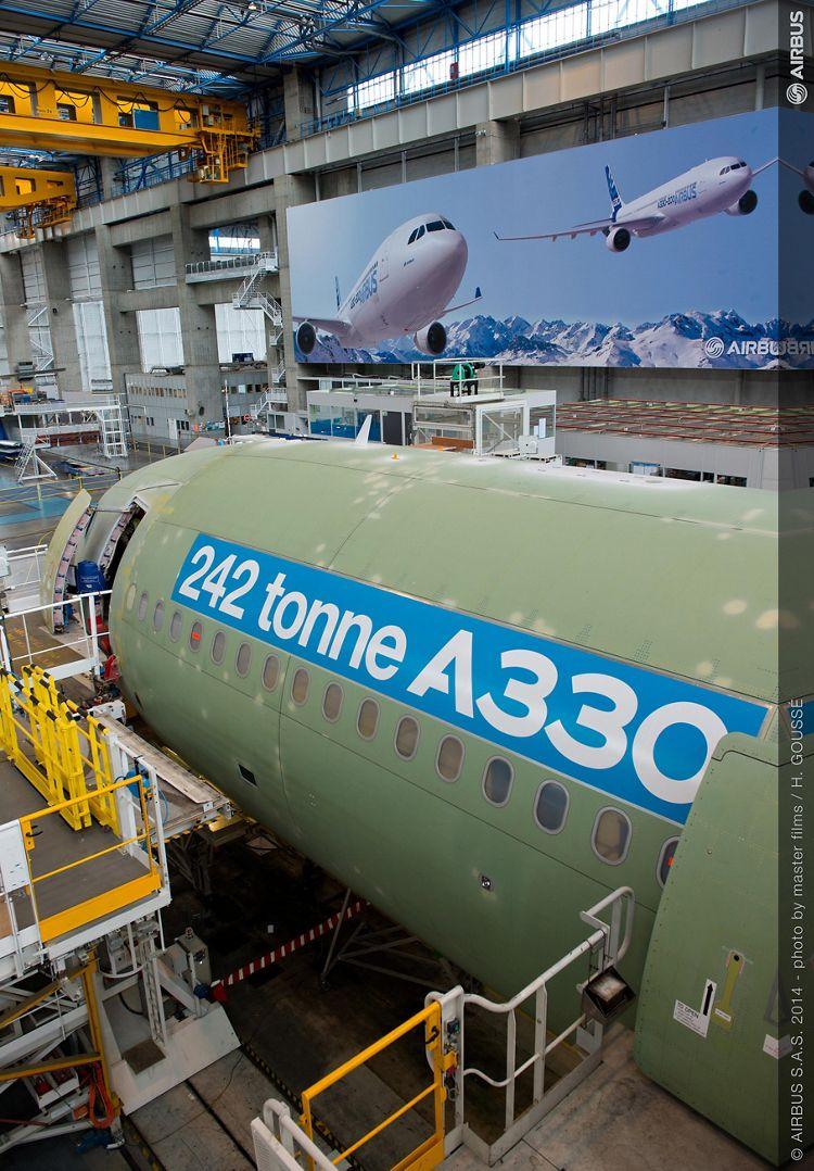 242 tonne A330-300 enters final assembly_2