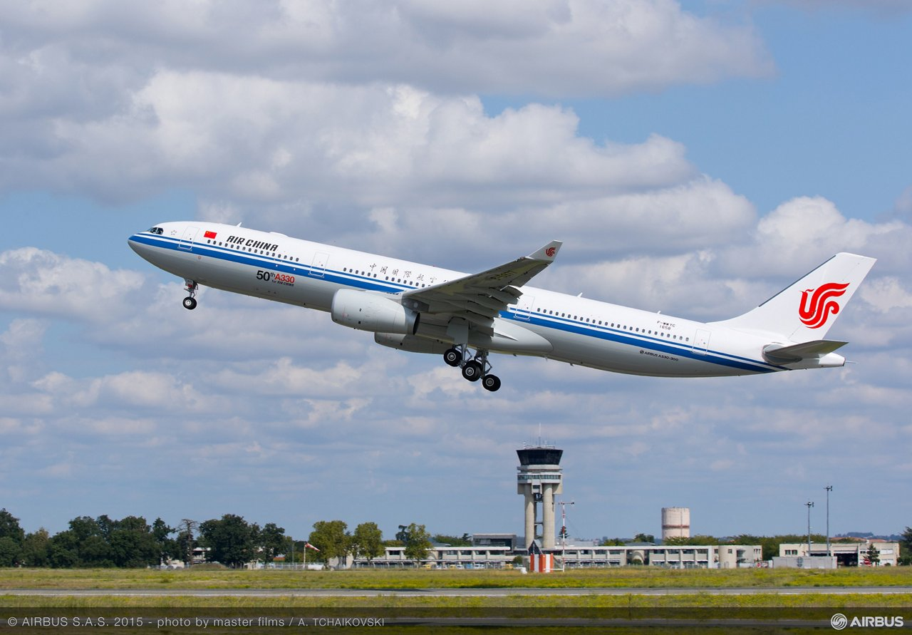 Maiden flight for Air China's 50th A330_1