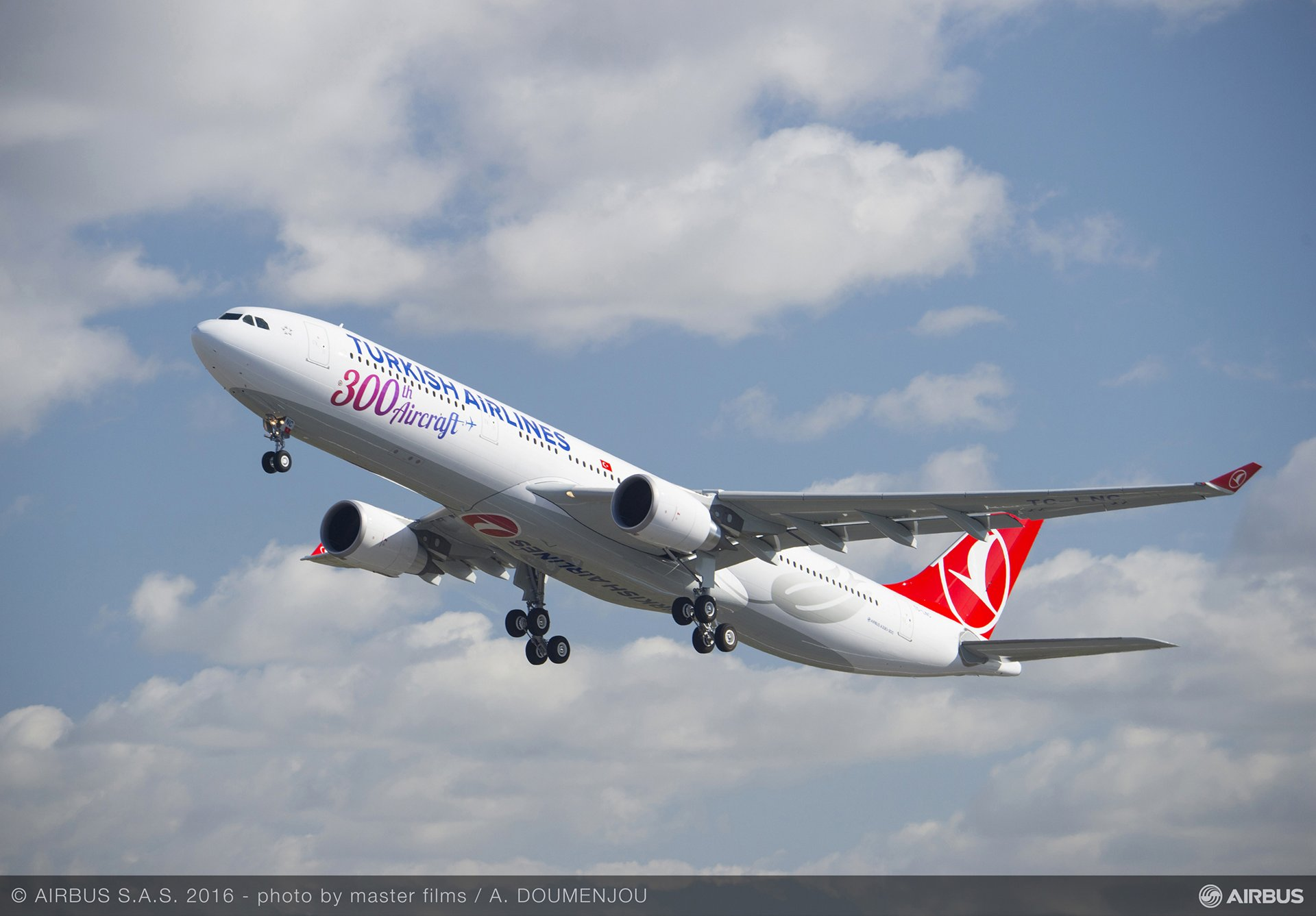 Turkish Airlines' 300th aircraft 2