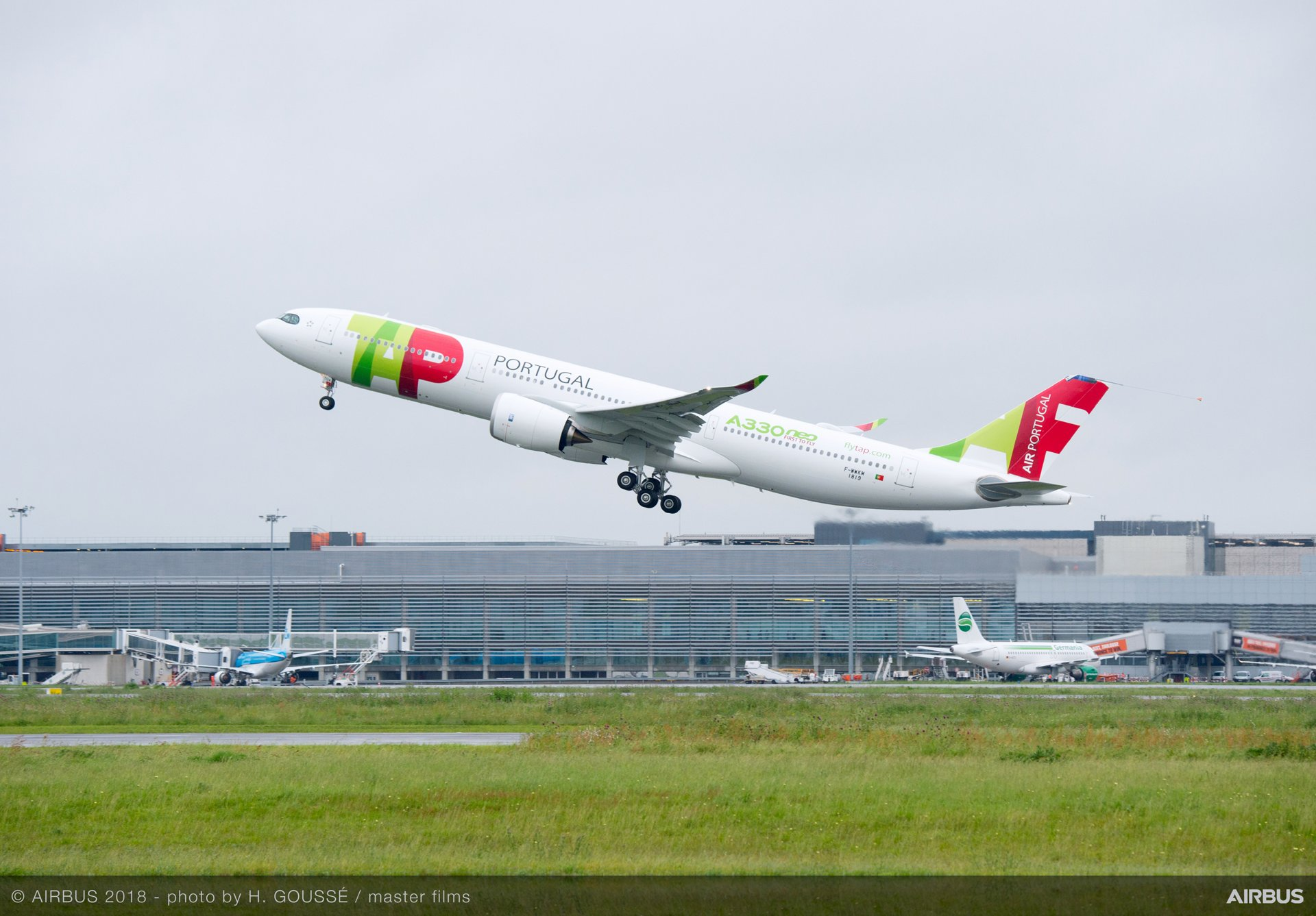 The first A330neo for launch operator TAP Air Portugal is shown during its 4-hour, 32-minute maiden flight