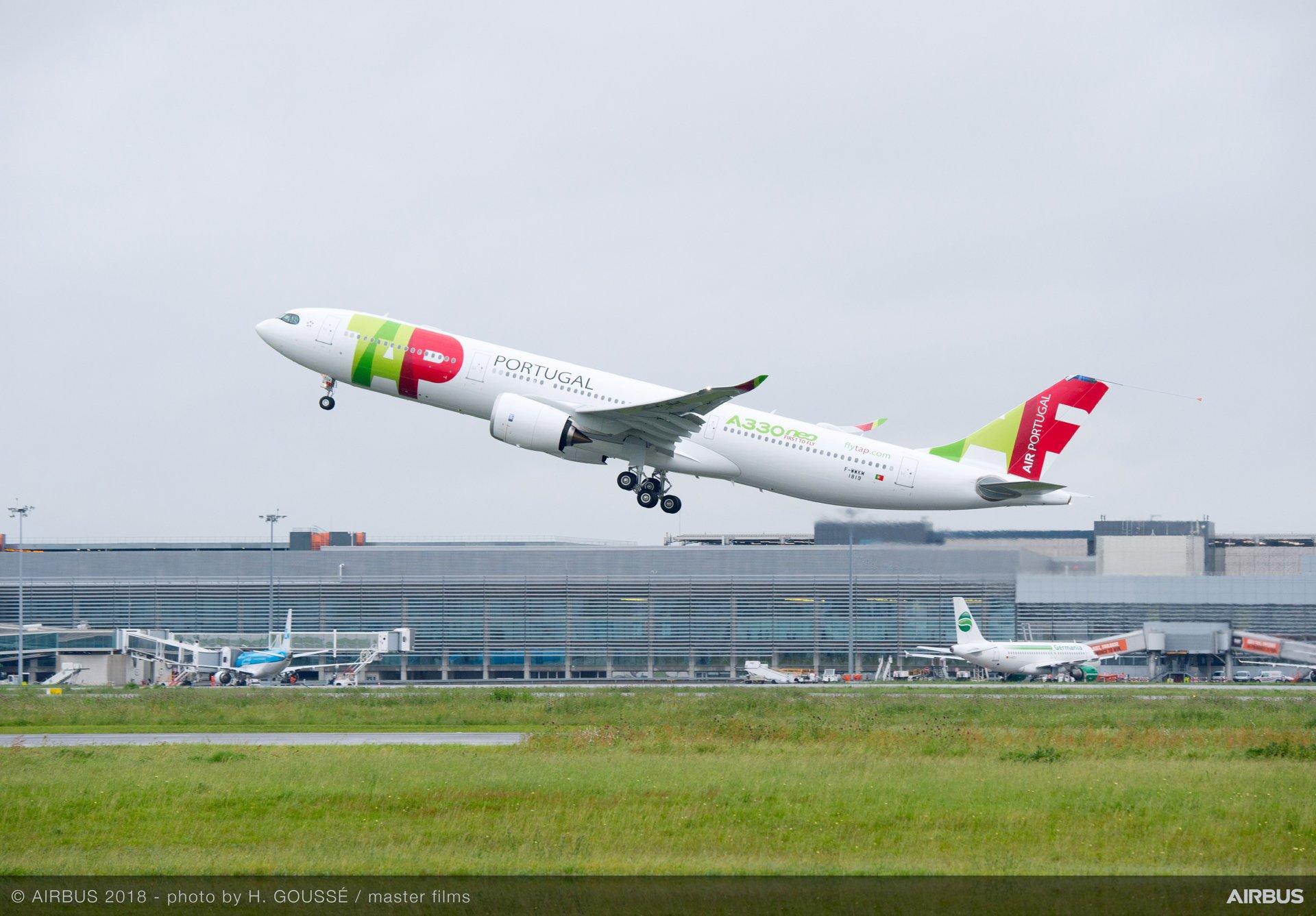 A330-900 TAP Take-Off