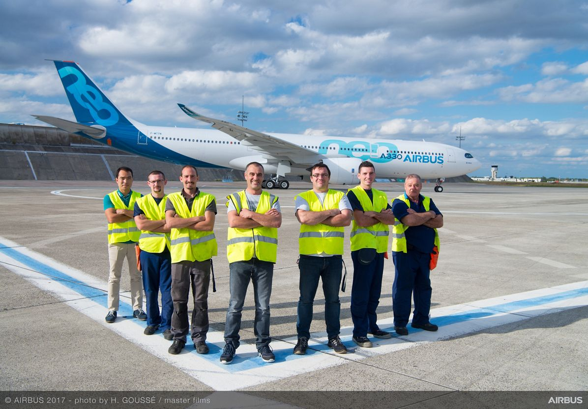 Airbus team in front of the first A330-900neo