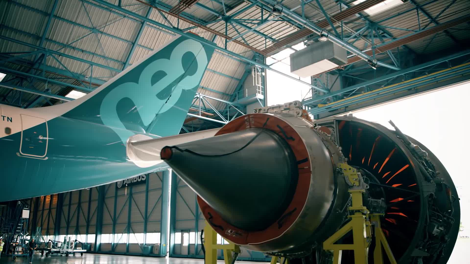 In the making: Installing the no. 1 A330neo's engines
