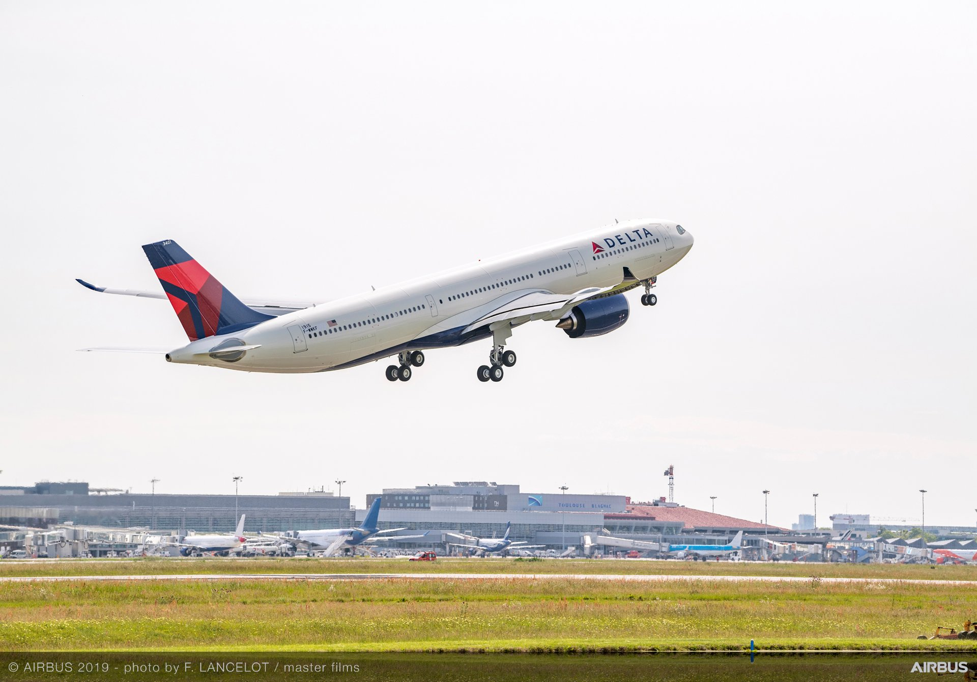 Delta Air Lines' initial A330-900 – the longer-fuselage version of Airbus' A330neo jetliner – performed its first flight from Toulouse-Blagnac Airport in France and was delivered to the operator in May 2019