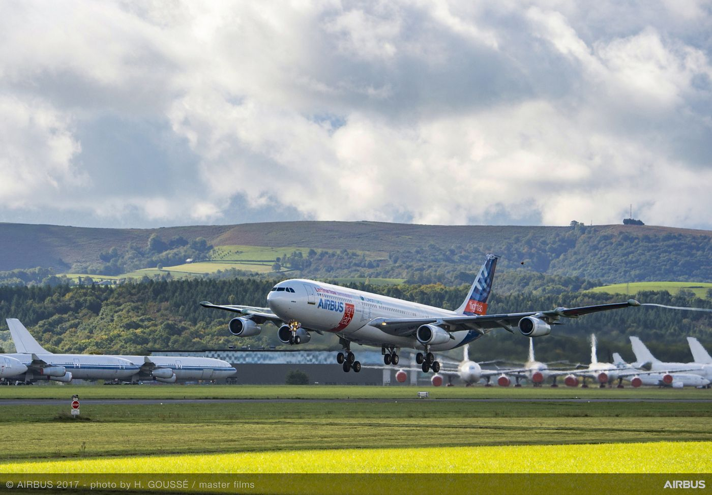 "Airbus' ""BLADE"" laminar flow wing demonstrator makes first flight"