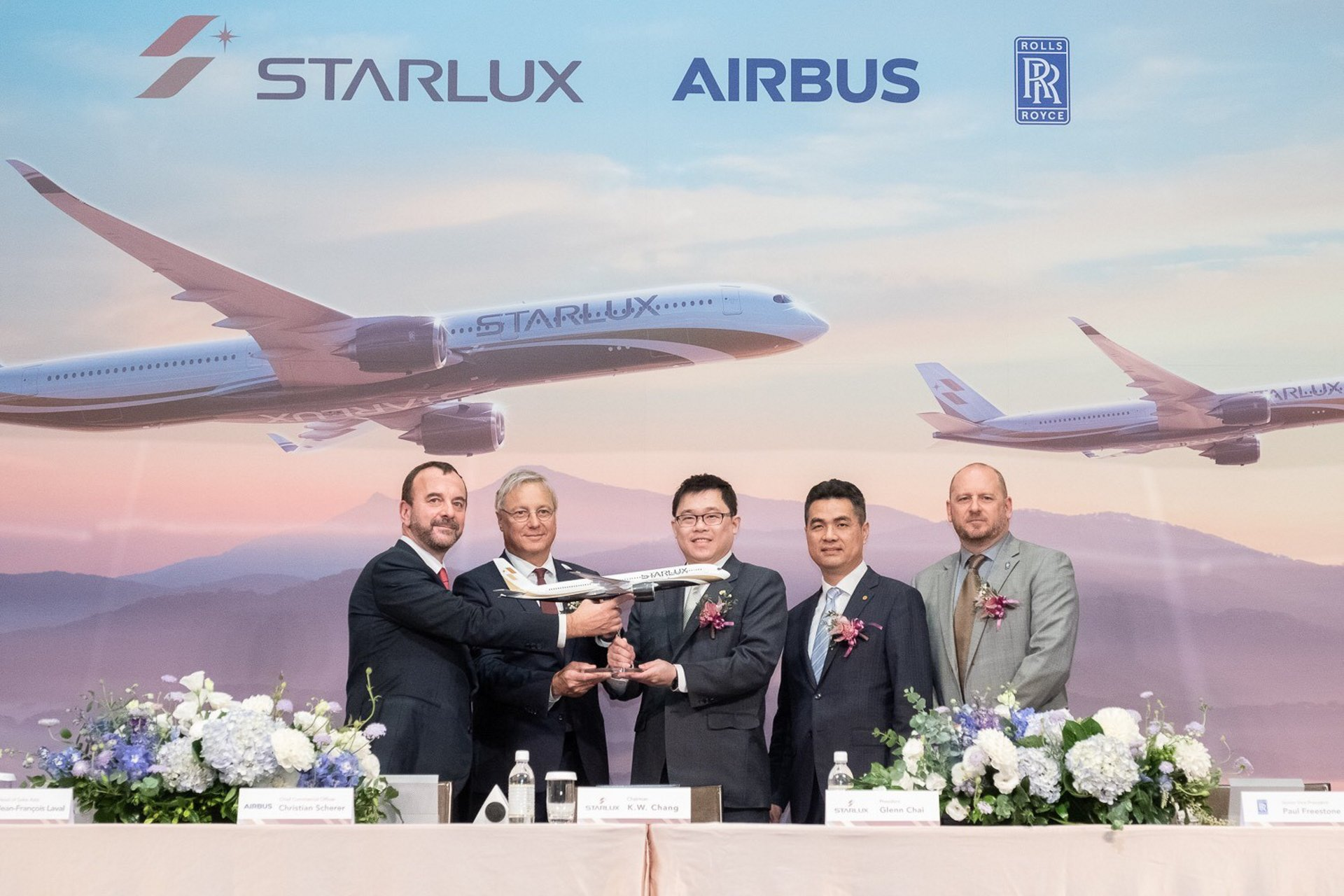 STARLUX Airlines signed a firm order for 17 Airbus A350 XWB aircraft; present at the signing ceremony were (from left to right): Jean-François Laval, Airbus Executive Vice President - Asia; Christian Scherer, Airbus Chief Commercial Officer; K.W. Chang, STARLUX Chairman; Glenn Chai, STARLUX President; and Paul Freestone, Rolls-Royce Senior Vice President - Customers