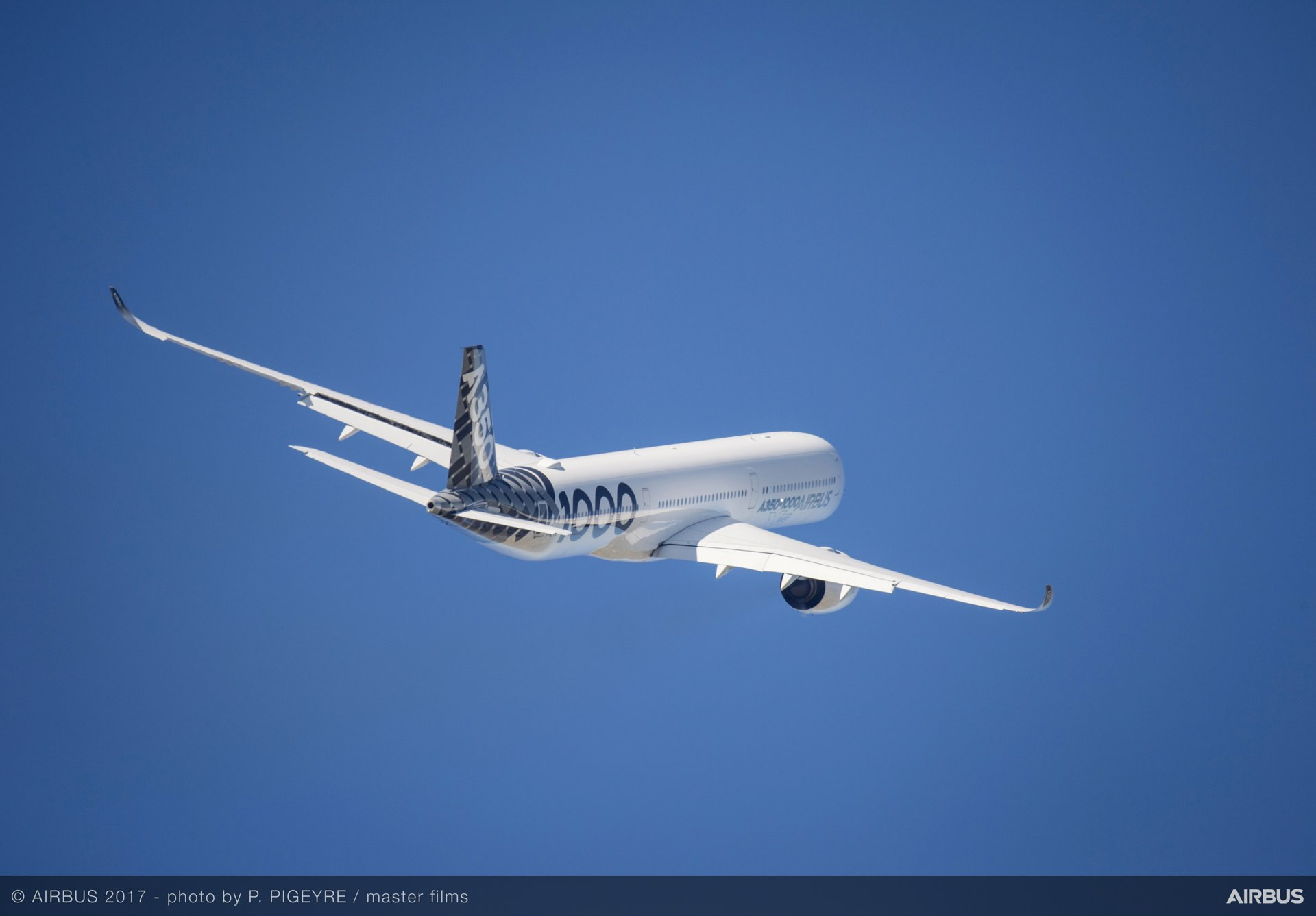 A350-1000 Flying Display 19 June PAS 2017