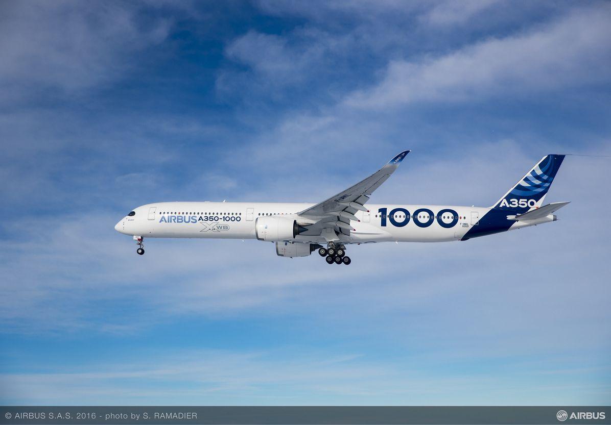 A350-1000 First Flight – air to air 005