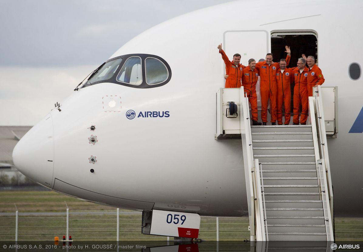 A350-1000 First Flight - crew disembarking