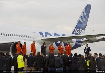 A350-1000 First Flight - crew welcome by Airbus management