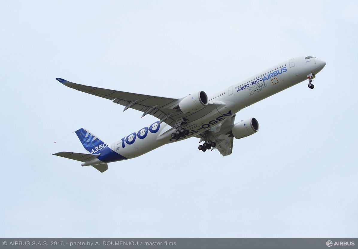 A350 1000 First Flight take off 005R