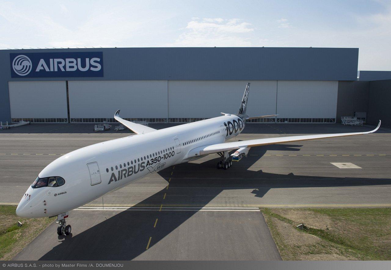 A350-1000 flight test aircraft_Paint shop rollout