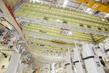 A350-1000_First wing goes into production 1