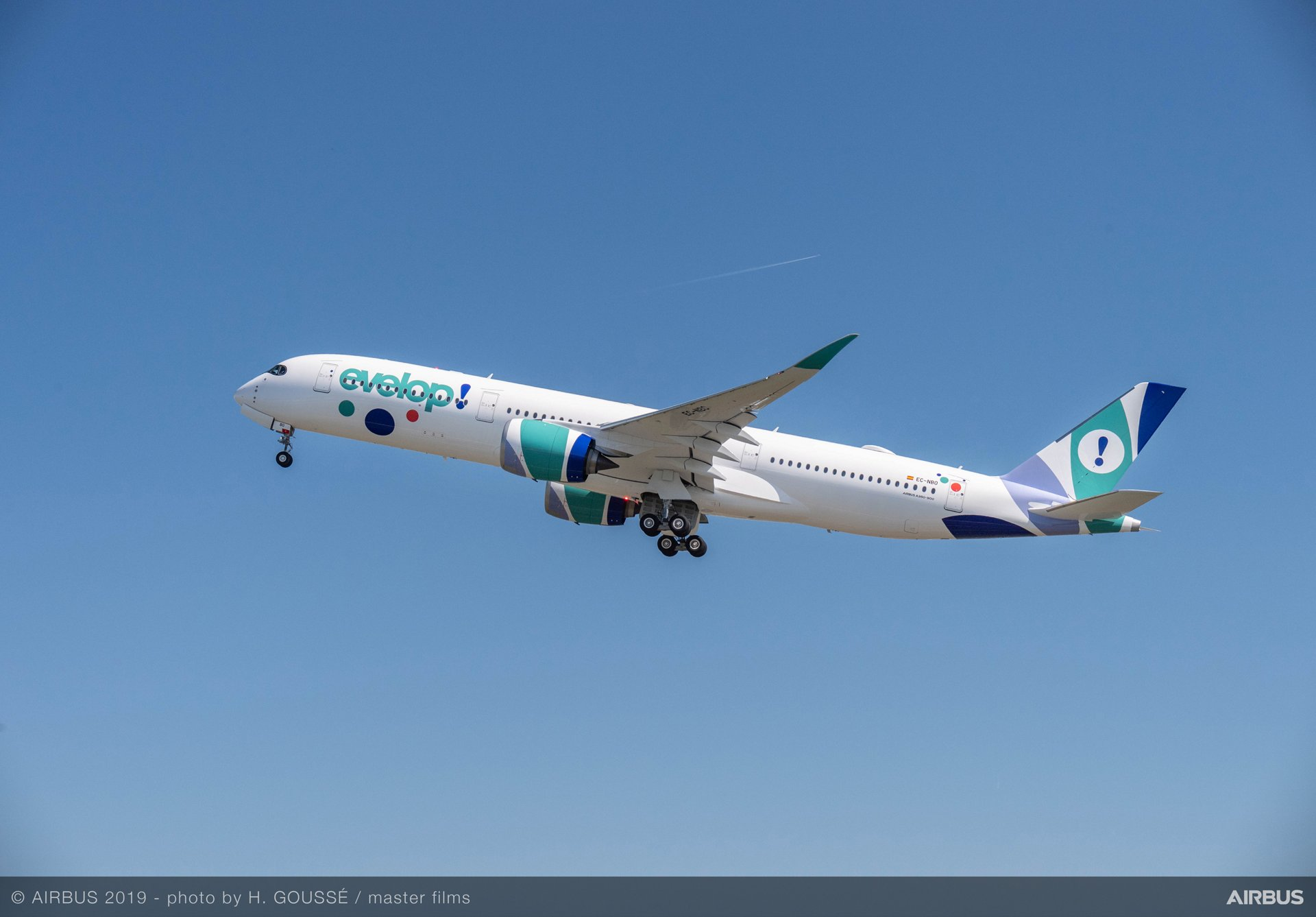 Evelop Airlines is receiving two A350 XWBs in 2019-2020, joining the Spanish carrier's all-Airbus fleet that also includes one A320-200, one A330-200 and three A330-300s