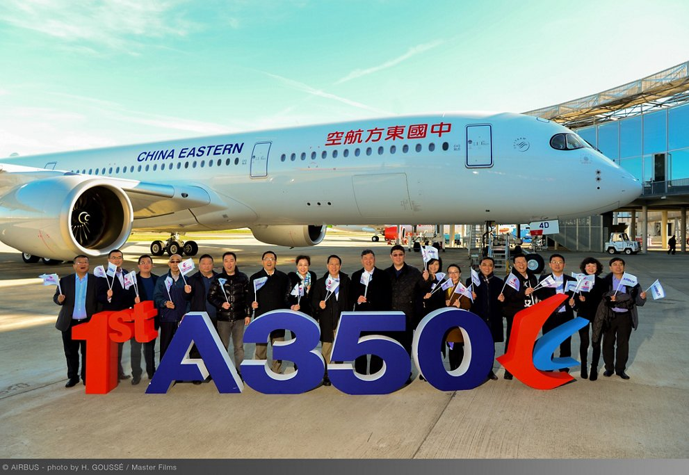 Ceremonia de entrega del primer Airbus A350 de China Eastern